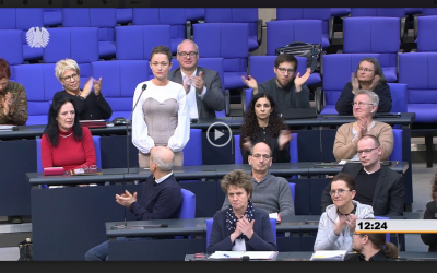 Linke vs. CSU-Hahn: Rekrutierung Minderjähriger für die Bundeswehr