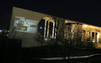 "Linke Abgeordnete machen Kunstprojektion für Puigdemont. Nastic, Dehm, Hunko nennen Rajoys PP""Francos Erben"""