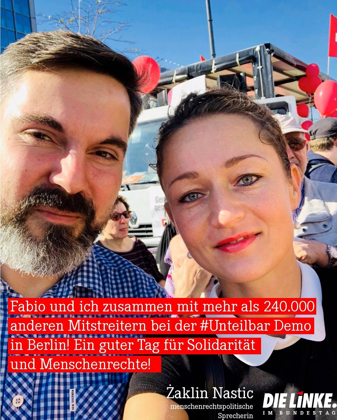 Zaklin Nastic und Fabio de Masi auf der #Unteilbar-Demo